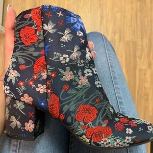 Shoes - CUTEST BOOTS